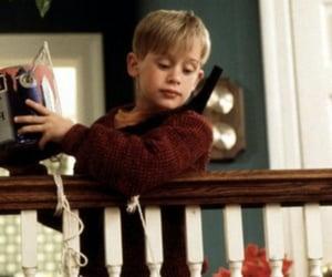 Macaulay Culkin, xmas, and christmas image