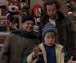 Macaulay Culkin, christmas, and iconic image