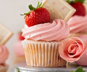 cupcake and strawberry image