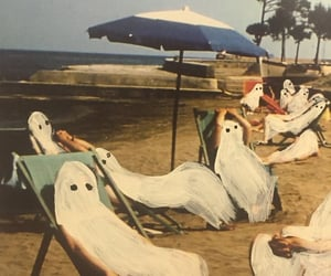 beach and painting image