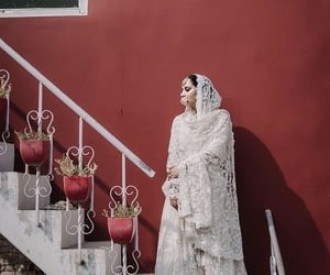 accessories, aesthetics, and bridal image