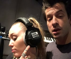 mark ronson and miley cyrus image