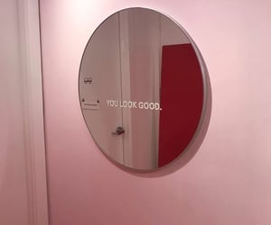 pink, mirror, and aesthetic image