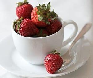 Клубника, еда, and ягоды image