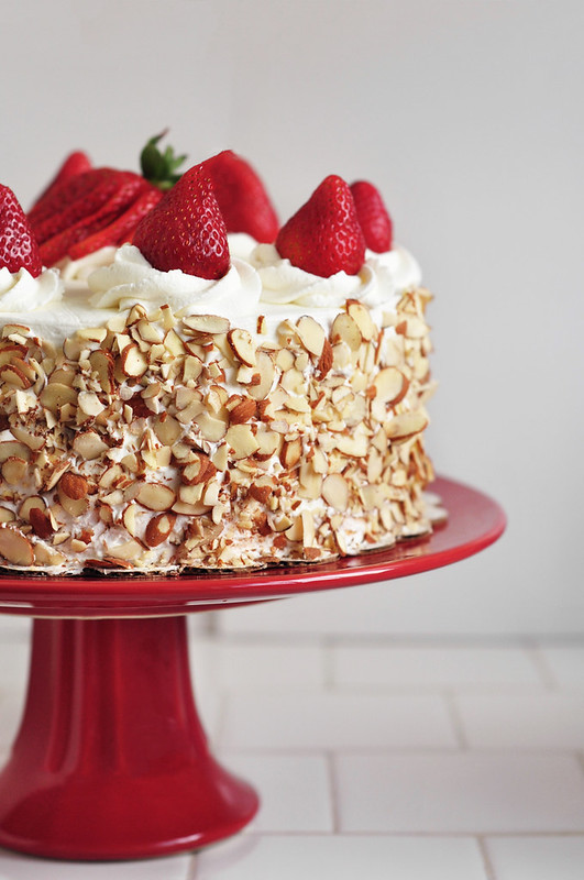 cakes, recipes, and strawberries image
