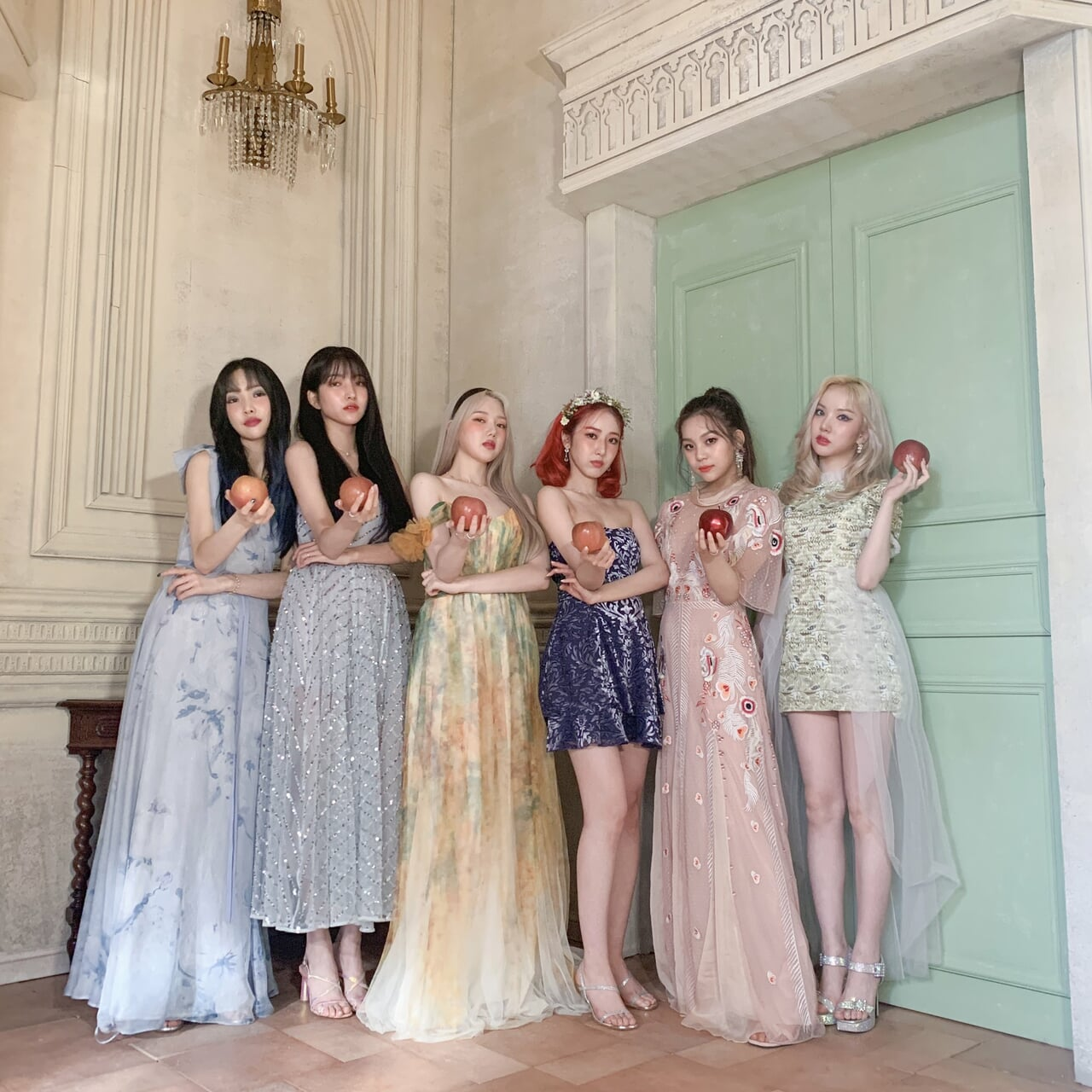 2020, apple, and soyeon image