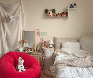 bed, bedroom, and olaf image