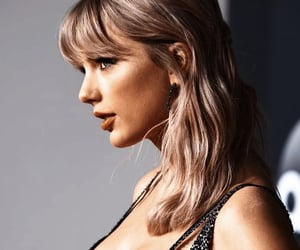 lover, Taylor Swift, and american music awards image