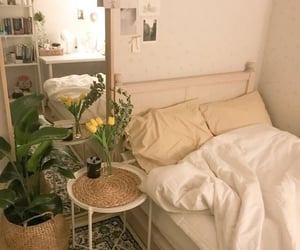 aesthetic, flowers, and bedroom image