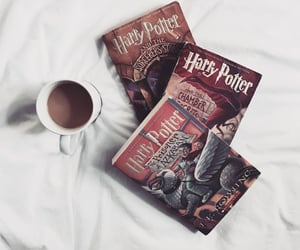 bed, harry potter, and grifondoro image