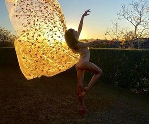 atardecer, luz, and bailarina image