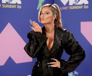 red carpet, vma, and video music awards image