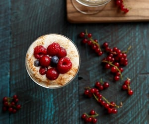 berries, delicious, and christmas recipe image