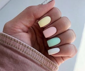 nails, pastel, and vernis image