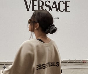 fashion, girl, and Versace image