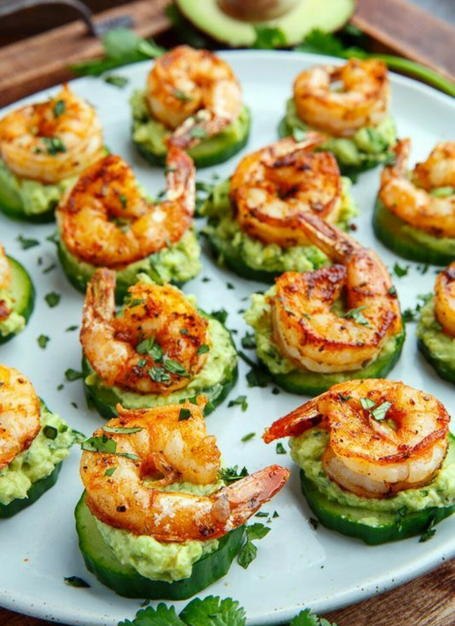 food, shrimp, and aguacate image