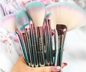 Brushes, brochas, and maquillajr image
