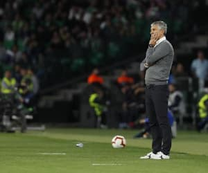 lionel messi, ernesto valverde, and quique setien image