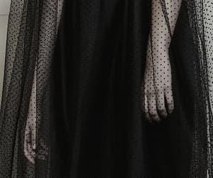 Monique Lhuillier, dark fashion, and fashion image