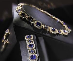 belleza, collar, and elegancia image