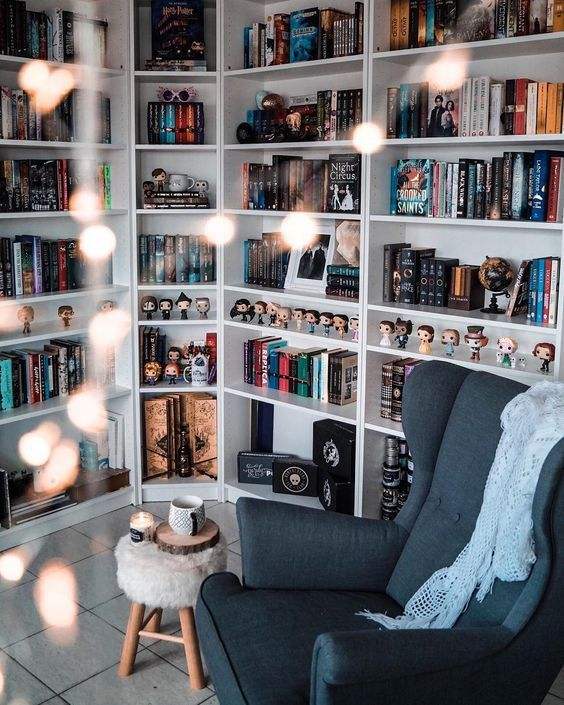 article, books, and tbr list image