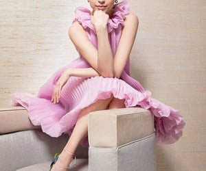 pink dress, sofía carson, and photoshoot image