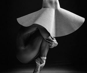 ballet, blanco y negro, and disciplina image