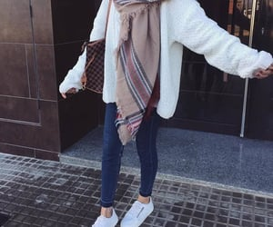 blue, hijab, and Blanc image