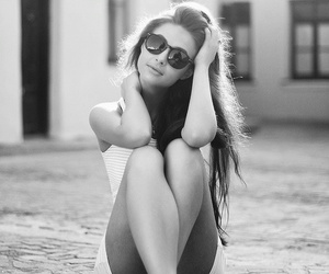 black and white, photography, and girl image