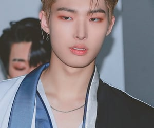 ateez, airport, and attractive boy image