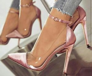 closet, elegante, and pink image