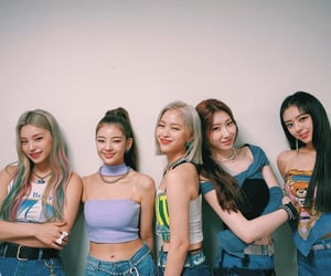 kpop, lia, and itzy image