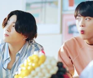 gif, jungkook, and taehyung image