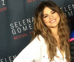 meet and greet, m&g, and selena gomez image