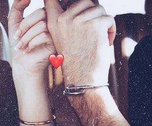 holding hands, حضن حضنك احضنك احضان, and love kiss kisses hug hugs image
