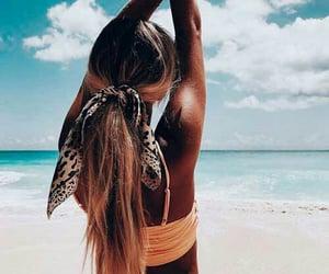 agua, bikini, and sea image