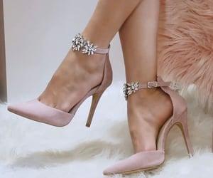 moda, nice, and pink image