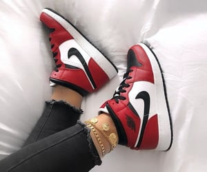 red and white, ⓝⓘⓚⓔⓢ, and shoes image