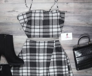 black, bolso, and outfit image