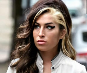 Amy Winehouse, hair, and hairstyle image
