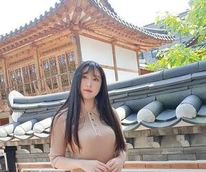 coreanissima, youtuber, and helena hyewon image