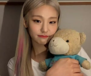 bear, JYP, and gg image