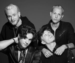 album, cb, and the vamps image