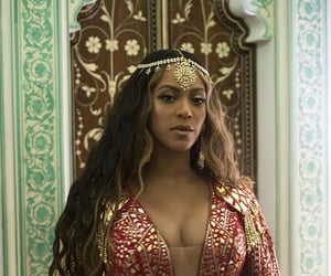 black woman, fashion, and queen b image