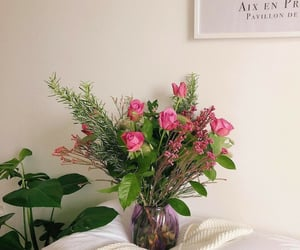 flower, flower arrangement, and flowers image