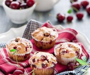 cupcake, berry, and cake image