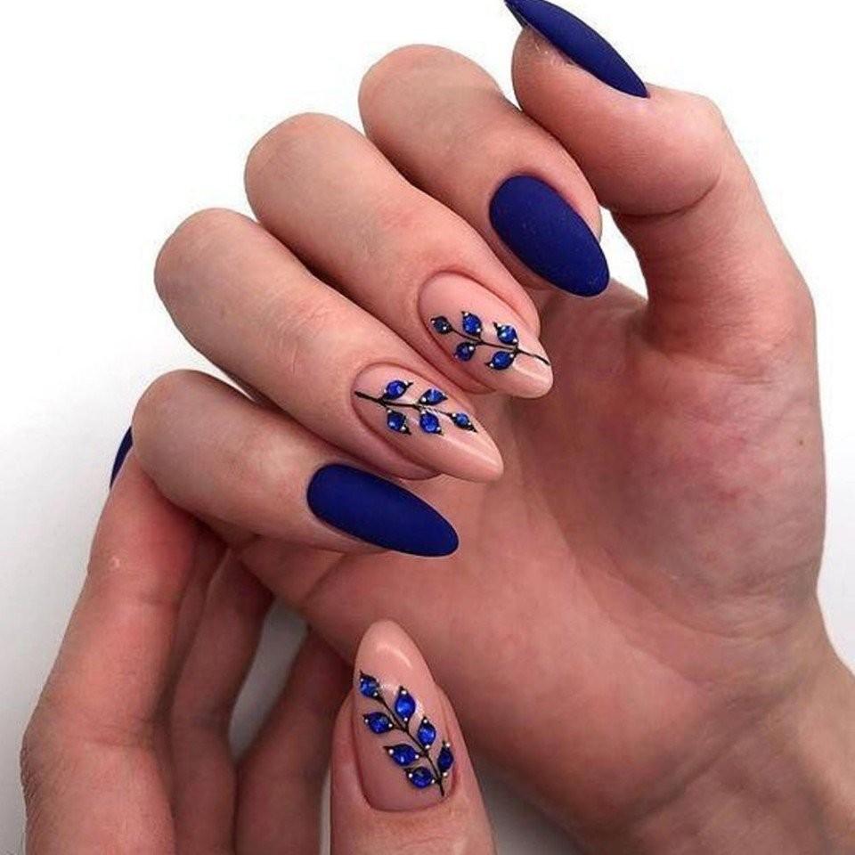 make-up, girls nails, and motif nails image
