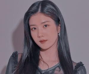 kpop, hitomi, and chaewon image