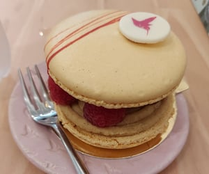 Le Grand Macaron