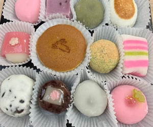 asian, cake, and chocolate image
